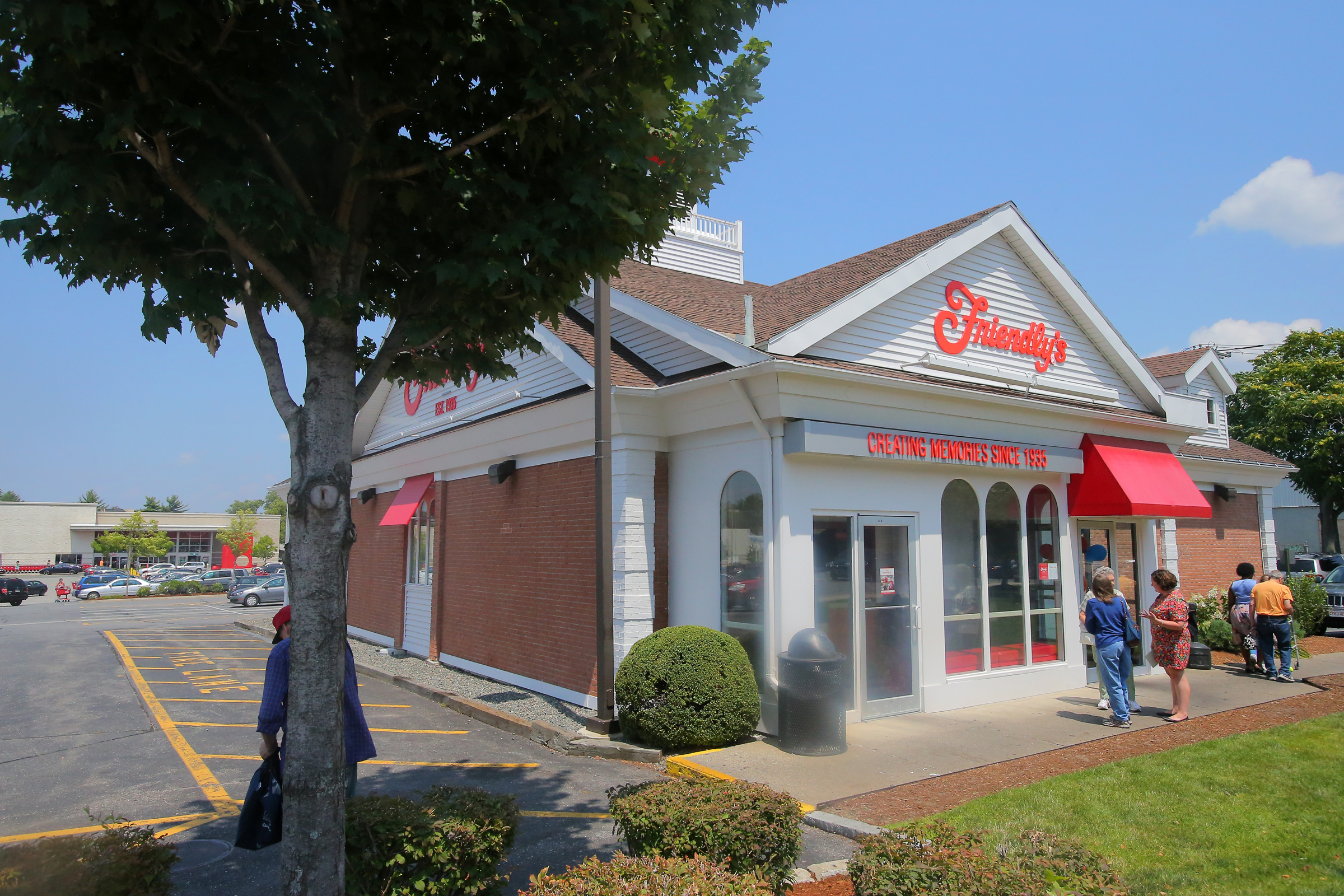 Friendly's Promotes Comeback Story In Ad Campaign