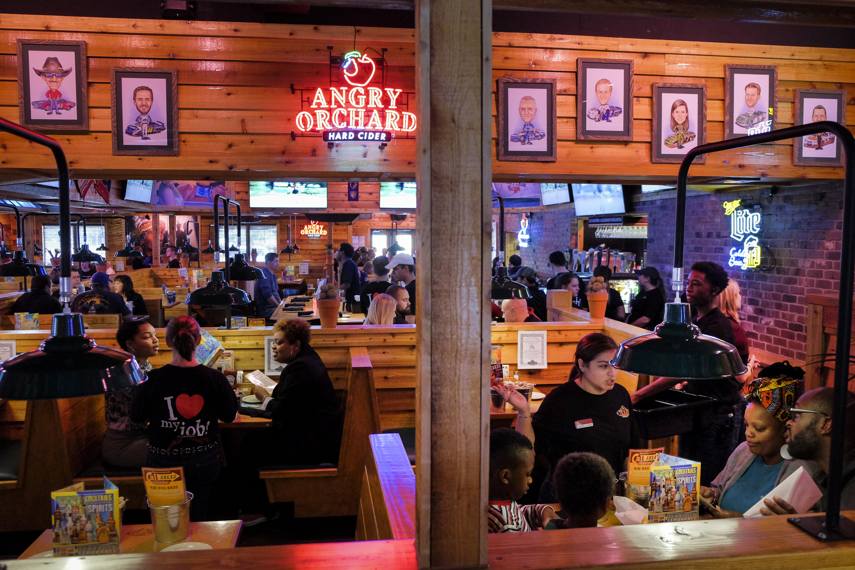 Texas Roadhouse: Age Discrimination Against Job Applicants Over 40