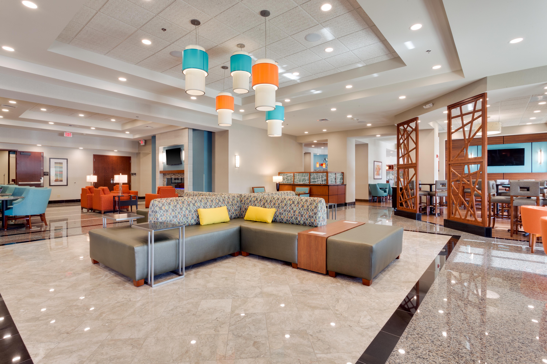Lobby, Drury Hotels St. Louis