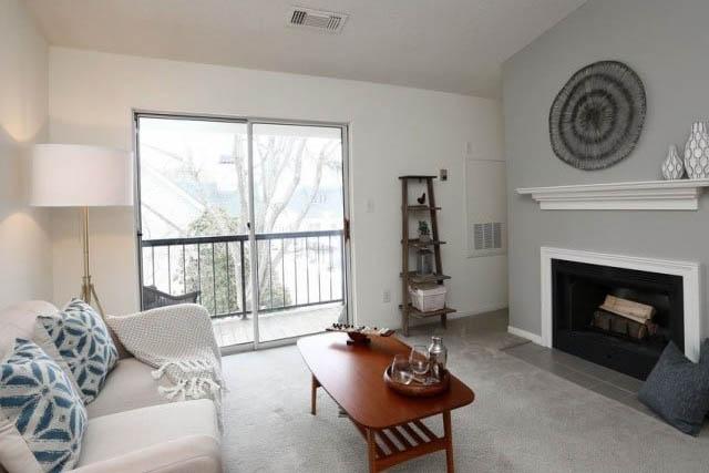 Connecticut-1500-dollar-rent