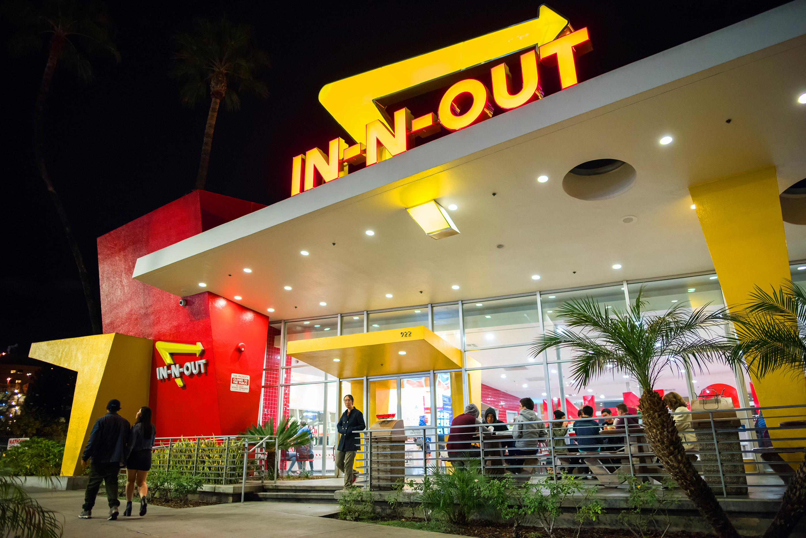 Los Angeles, CA: January 13, 2017: In-N-Out Burger fast food restaurant in Westwood, California. In-N-Out Burger is a private company with 313 locations. ; Shutterstock ID 560049205; Publication: Money; Job: 4/5/18 Fast Food; Client/Licensee: Sarina Finkelstein; Other:
