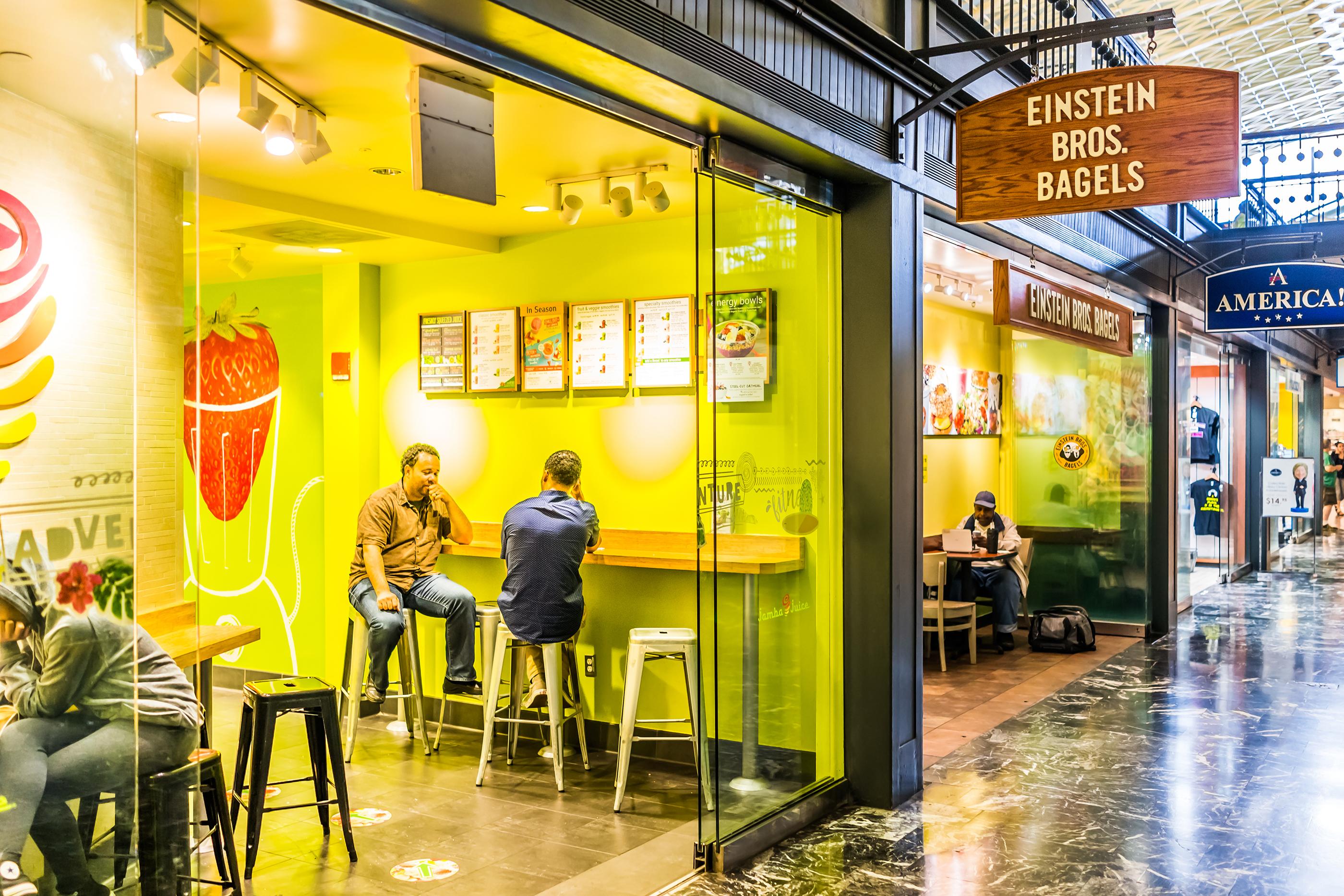 180430-fast-casual-restaurants-einsteins