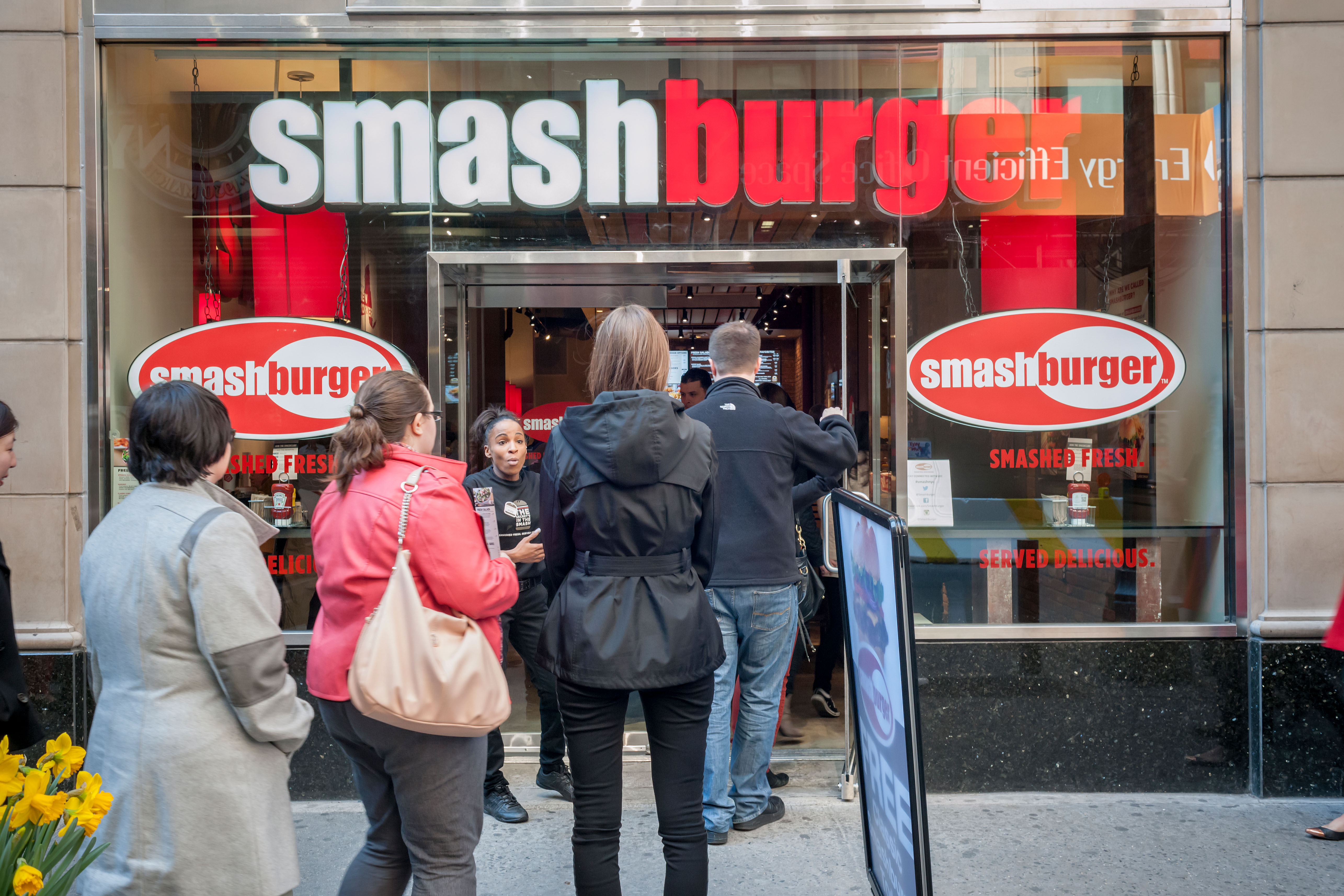 Burger lovers from far and wide descend on the new Smashburger restaurant in New York
