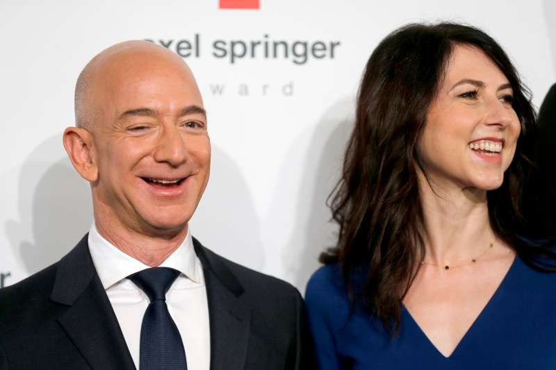 BERLIN, GERMANY - APRIL 24: Jeff Bezos and his wife MacKenzie Bezos attend the Axel Springer Award 2018 on April 24, 2018 in Berlin, Germany. Under the motto  An Evening for  Jeff Bezos receives the Axel Springer Award 2018. (Photo by Franziska Krug/Getty Images)