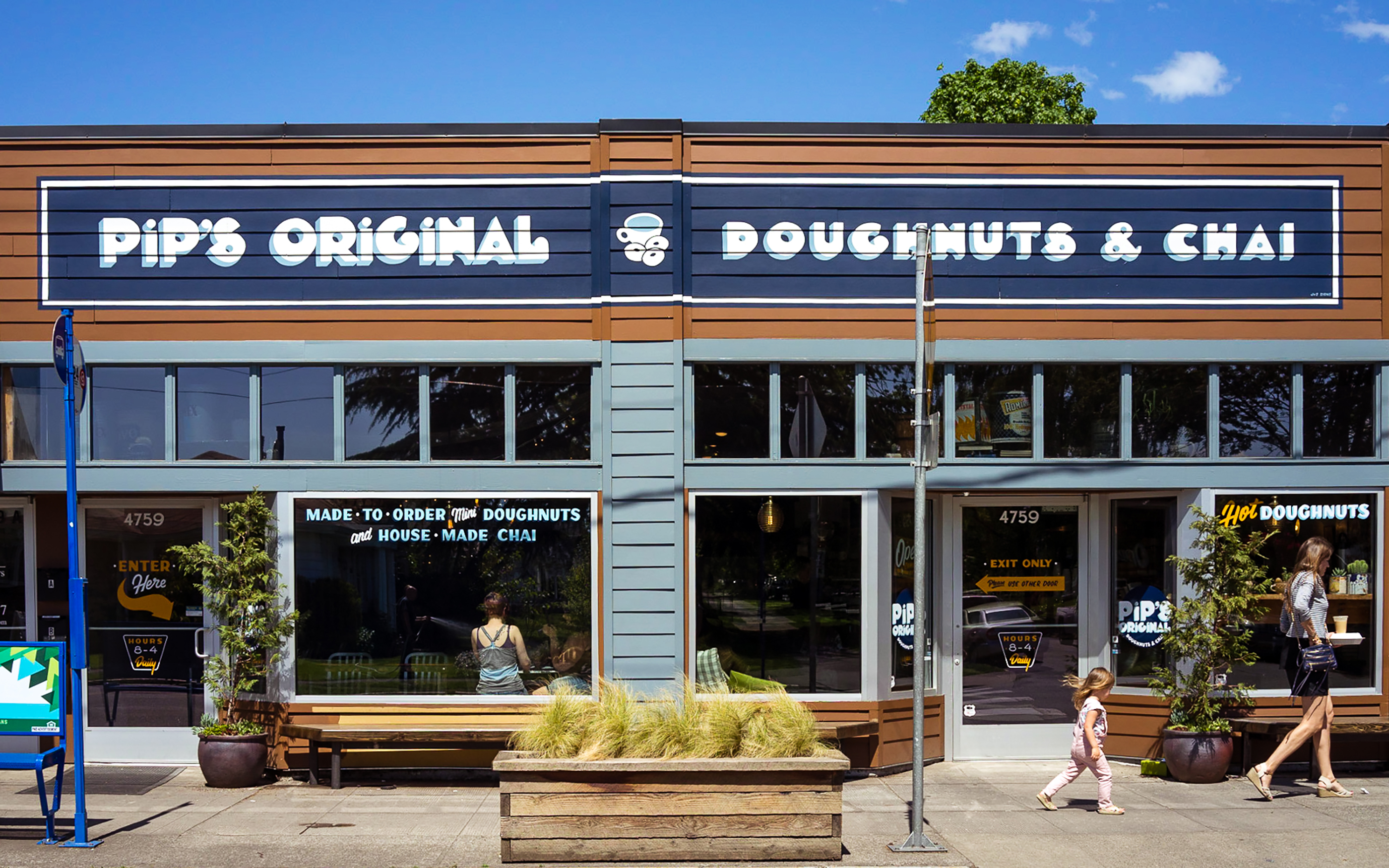 170601-best-donut-places-yelp-pips-original-donuts-chai