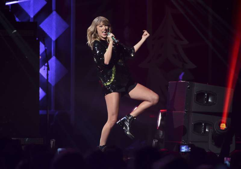 Singer Taylor Swift performs at Z100's iHeartRadio Jingle Ball at Madison Square Garden, in New York, December 8, 2017.