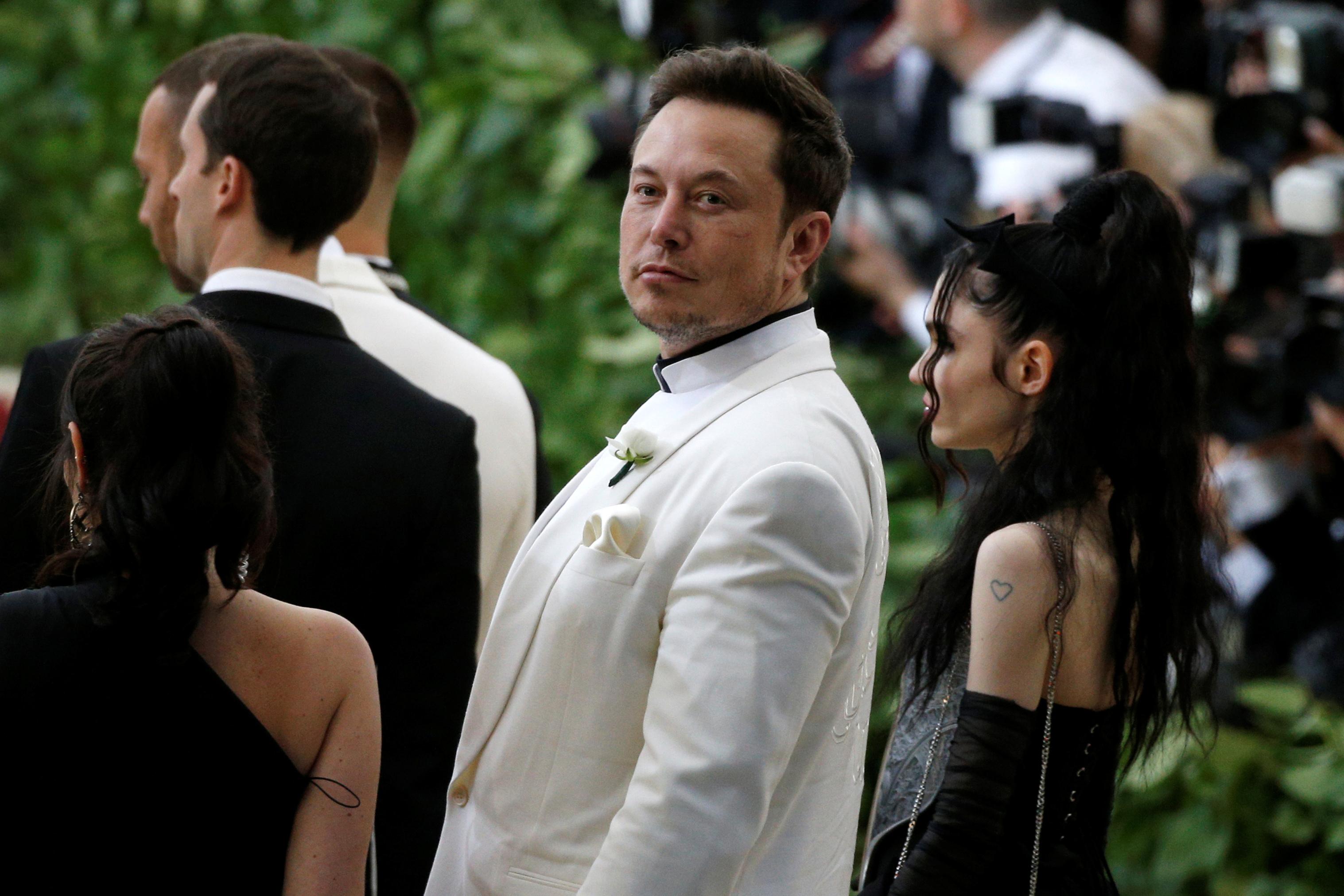 Elon Musk Net Worth 2018 How Tesla Ceo Makes His Money Money