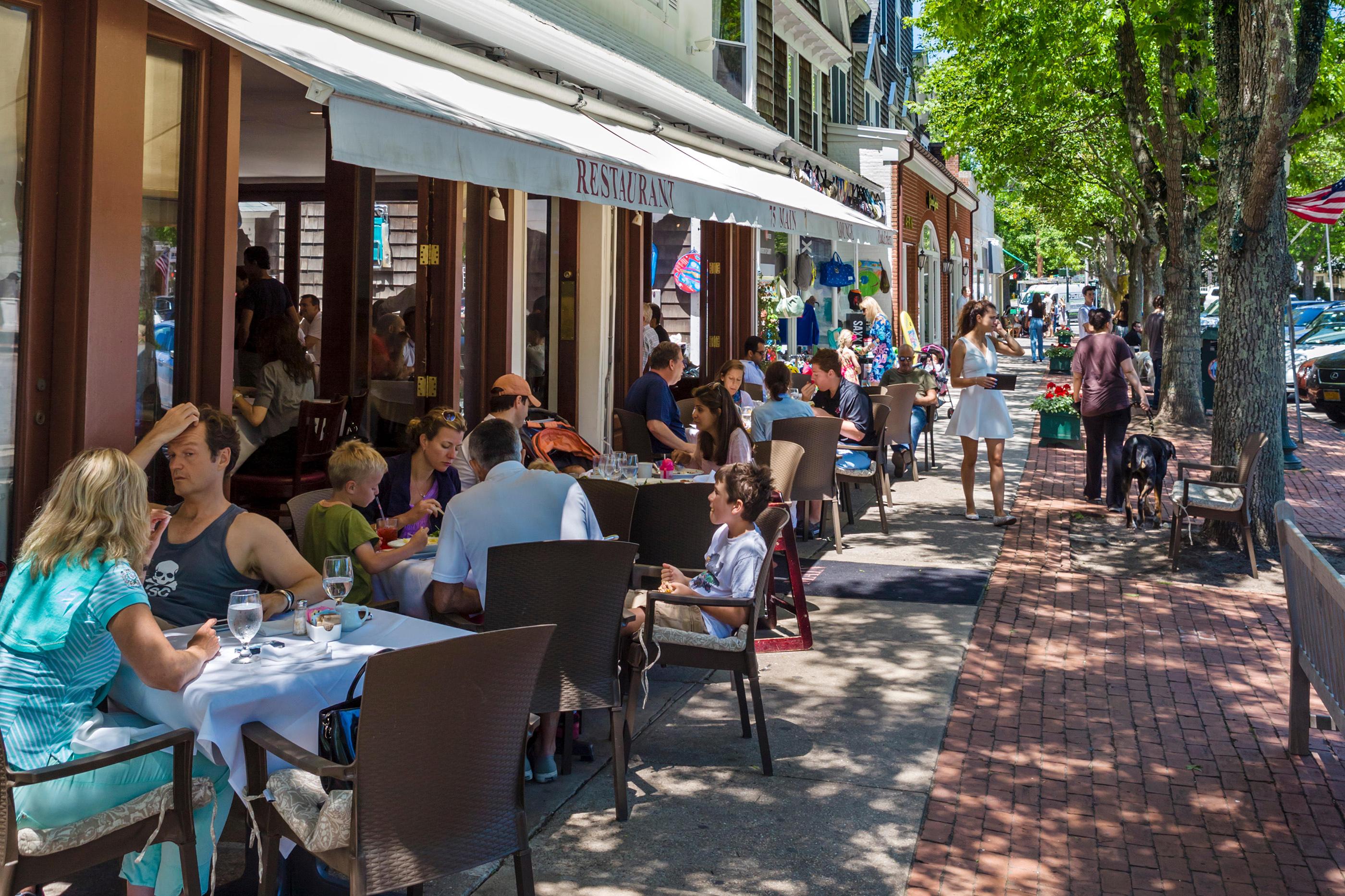 Restaurant on Main Street in the village of Southampton, The Hamptons, Suffolk County, Long Island , NY, USA