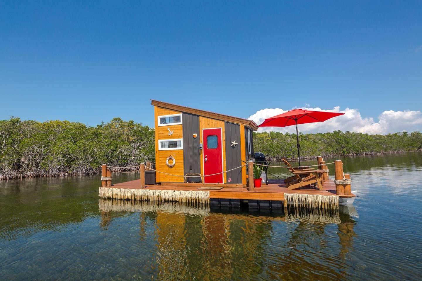 This Tiny Floating Home in the Florida Keys Is Pure Paradise—and You Can Rent It!