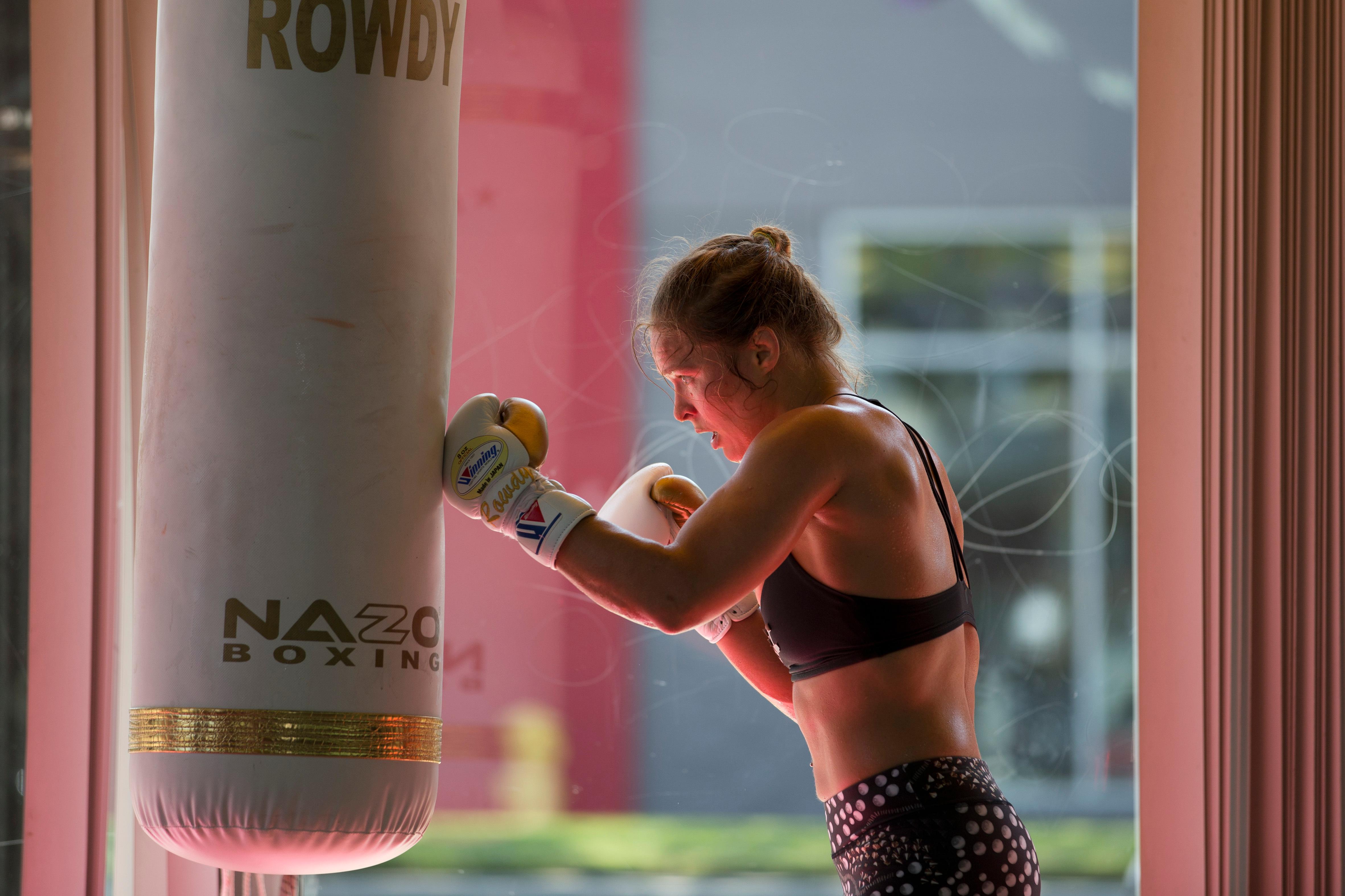 UFC Rousey Brazil, Glendale, USA