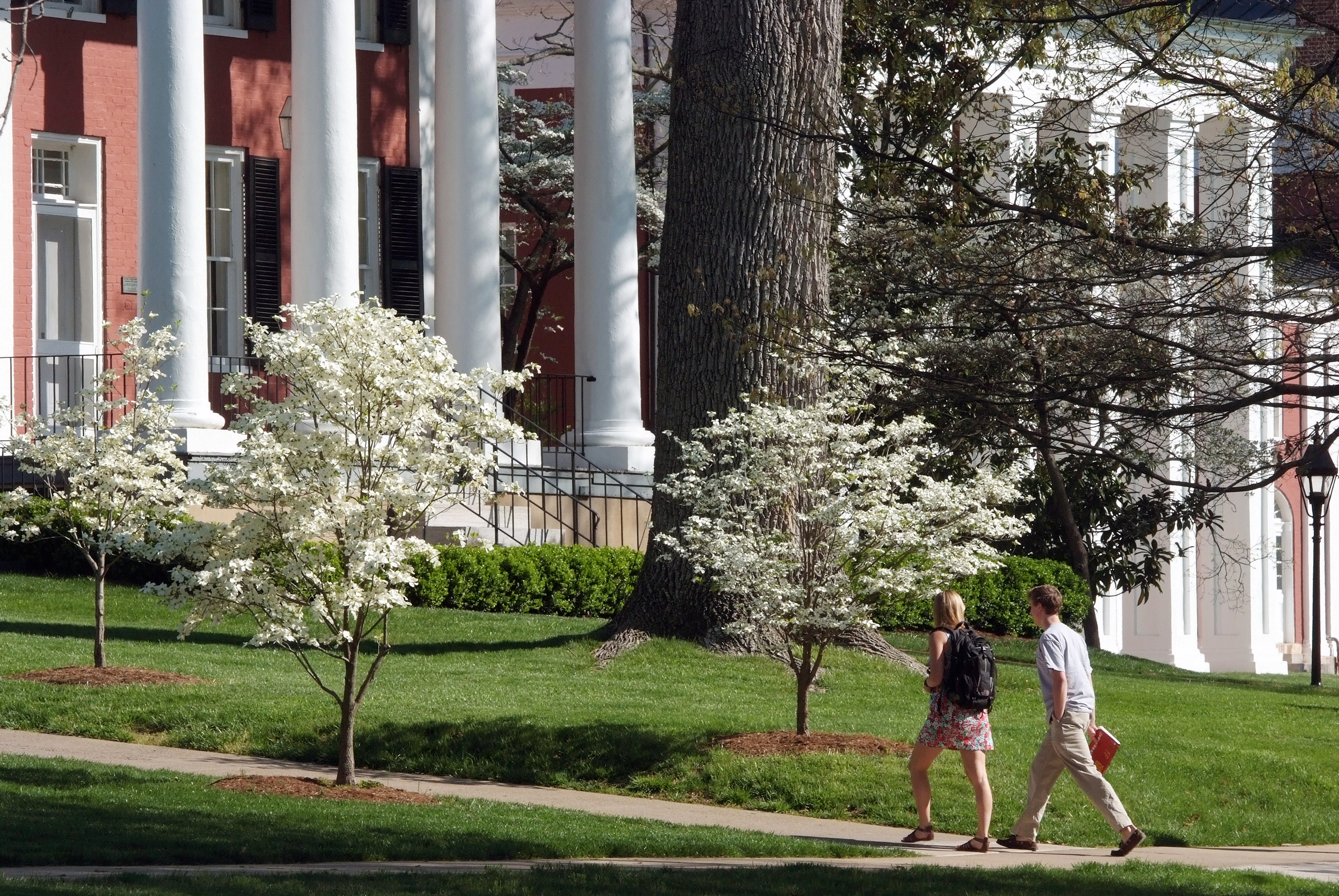181017-best-colleges-for-business-majors-washington-and-lee-university