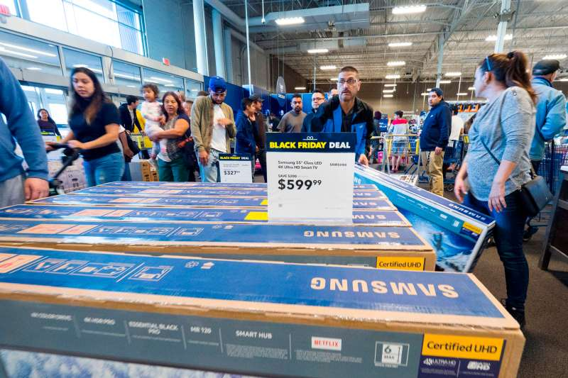 Black Friday sales last year at the Best Buy store in Burbank, California.