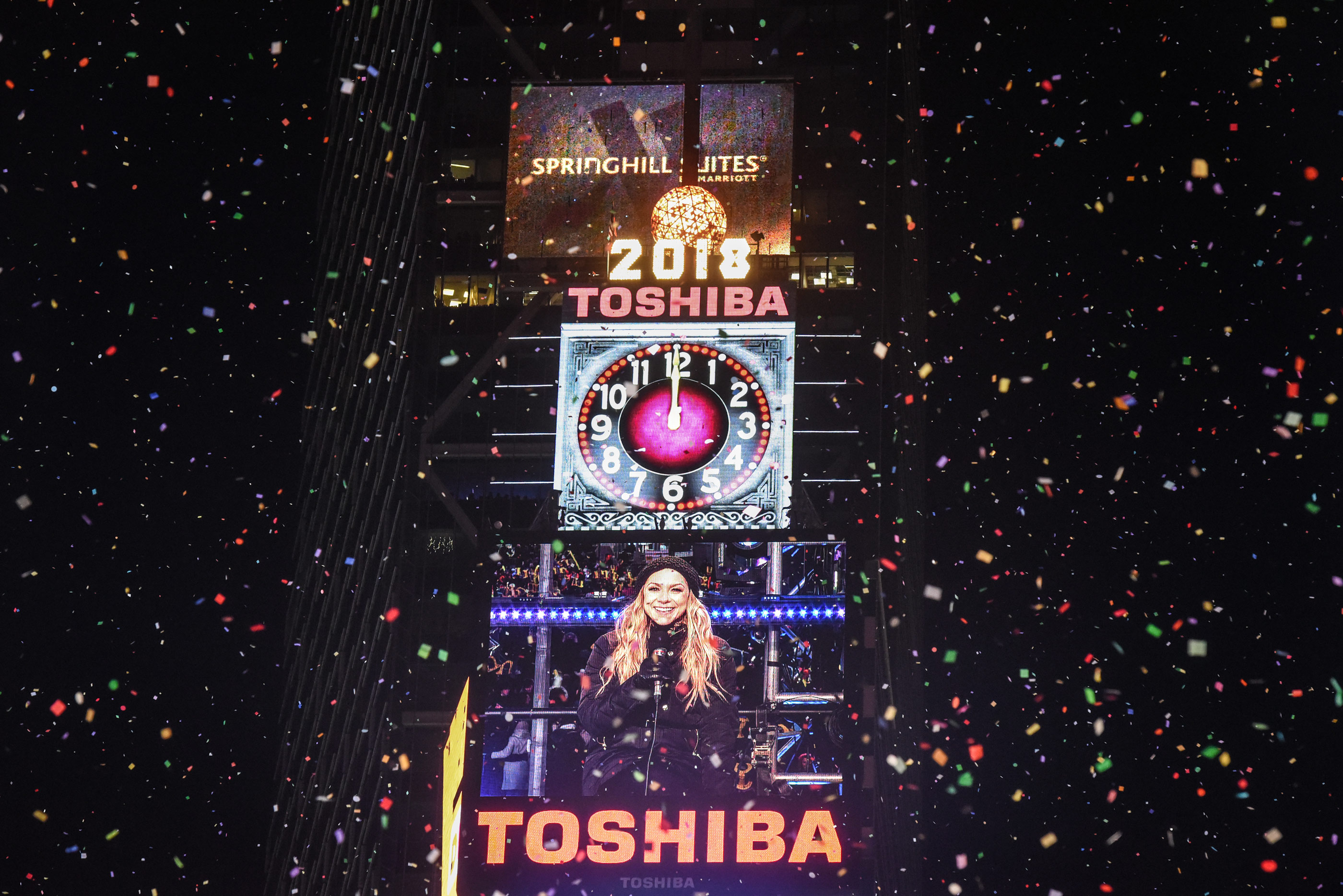 New Year S Eve How To Watch Times Square Ball Drop Money