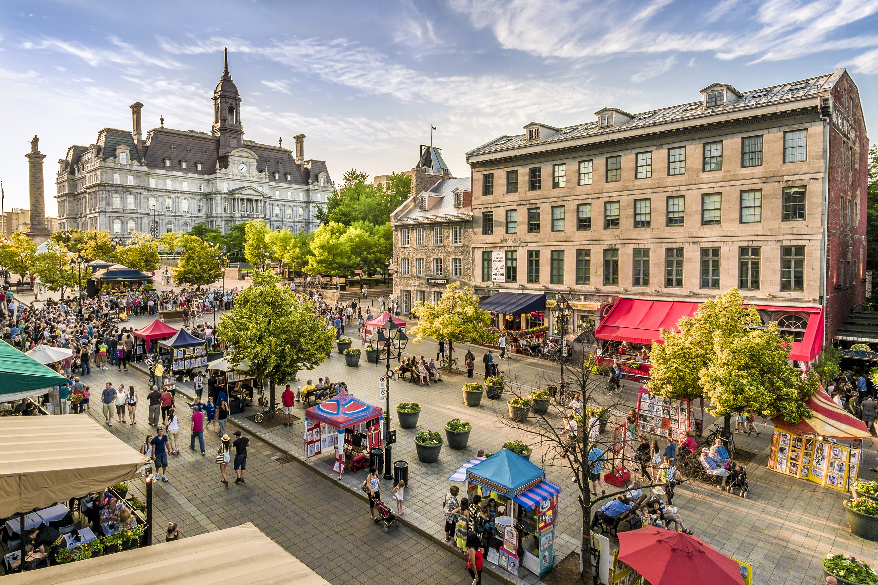 Lively markets draw crowds in Montreal.