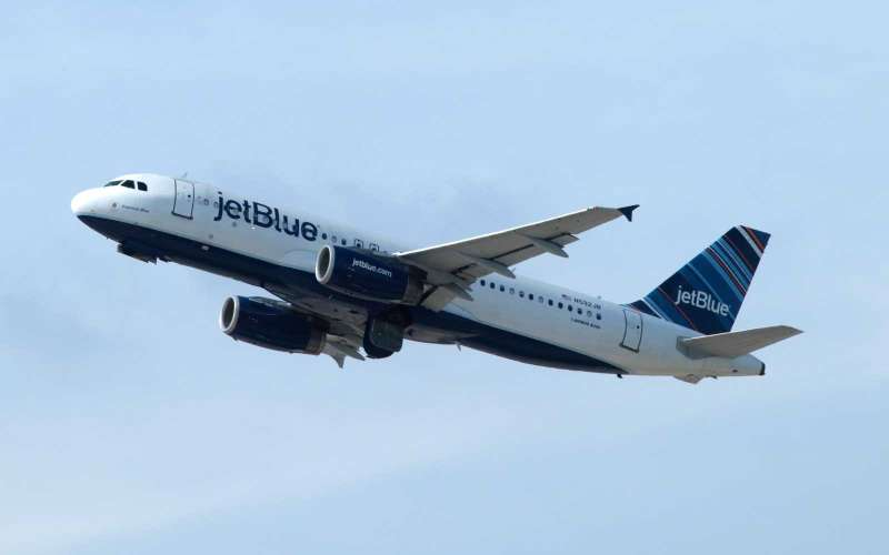 ELIZABETH, NJ - SEPTEMBER 30: A jetBlue Airways airplane takes off from Newark Liberty Airport on September 30, 2018 as seen from Elizabeth, New Jersey. (Photo by Gary Hershorn/Getty Images)