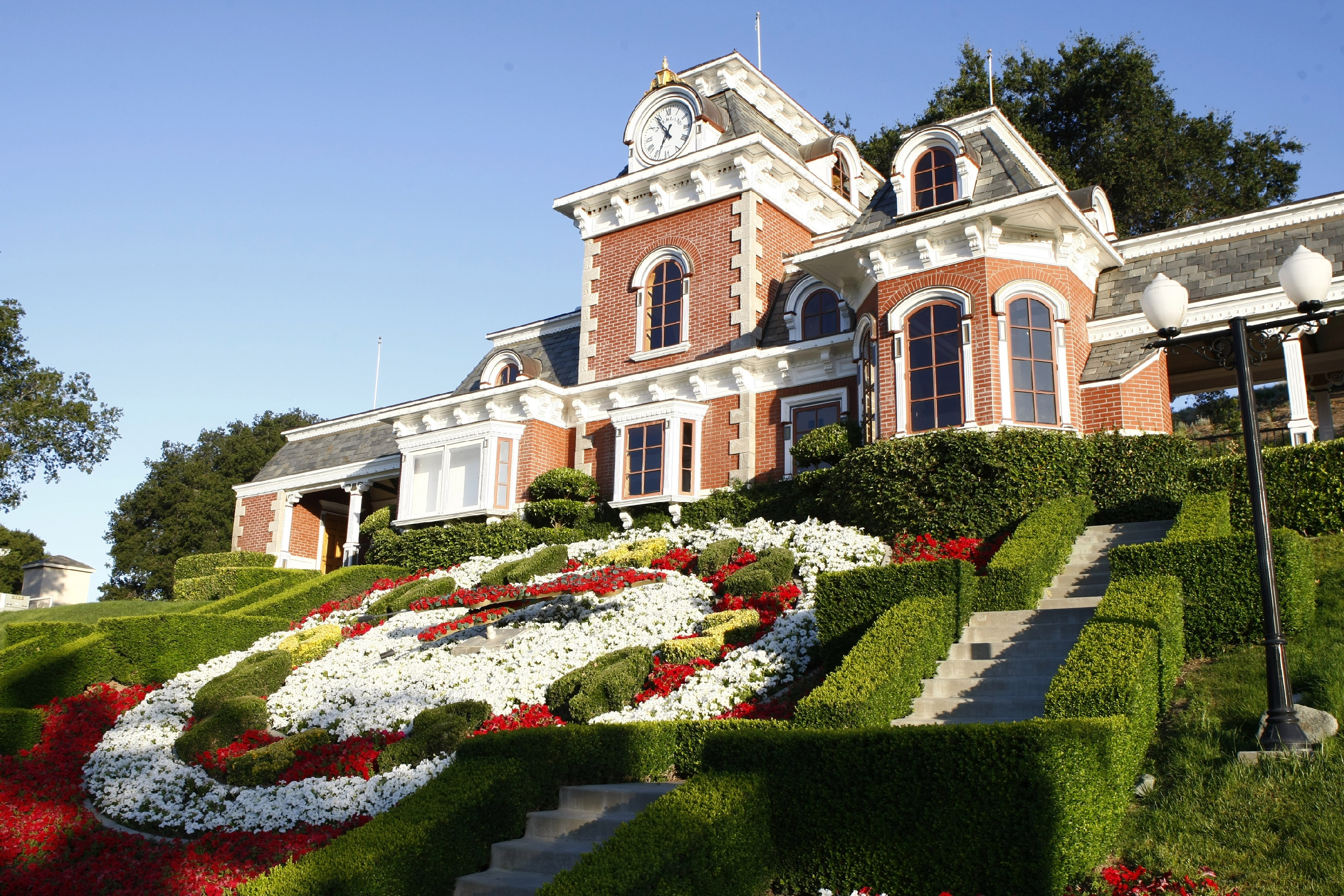 NBC News' Matt Lauer gets an exclusive behind-the-scenes of Neverland Ranch, where Michael Jackson lived for 15 years, getting a rare look inside the private world of the King of Pop.
