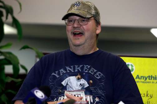 This Unemployed Man Won the $273M Mega Millions Jackpot — But Only Because of a Good Samaritan