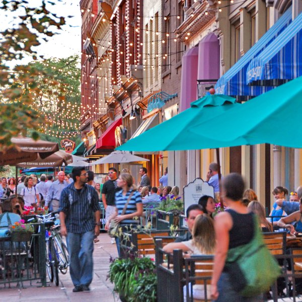 Outdoor restaurant seating in the evening in Lodo Denver