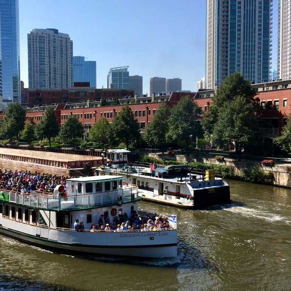 Boat on the Chicago River in the Fulton River District