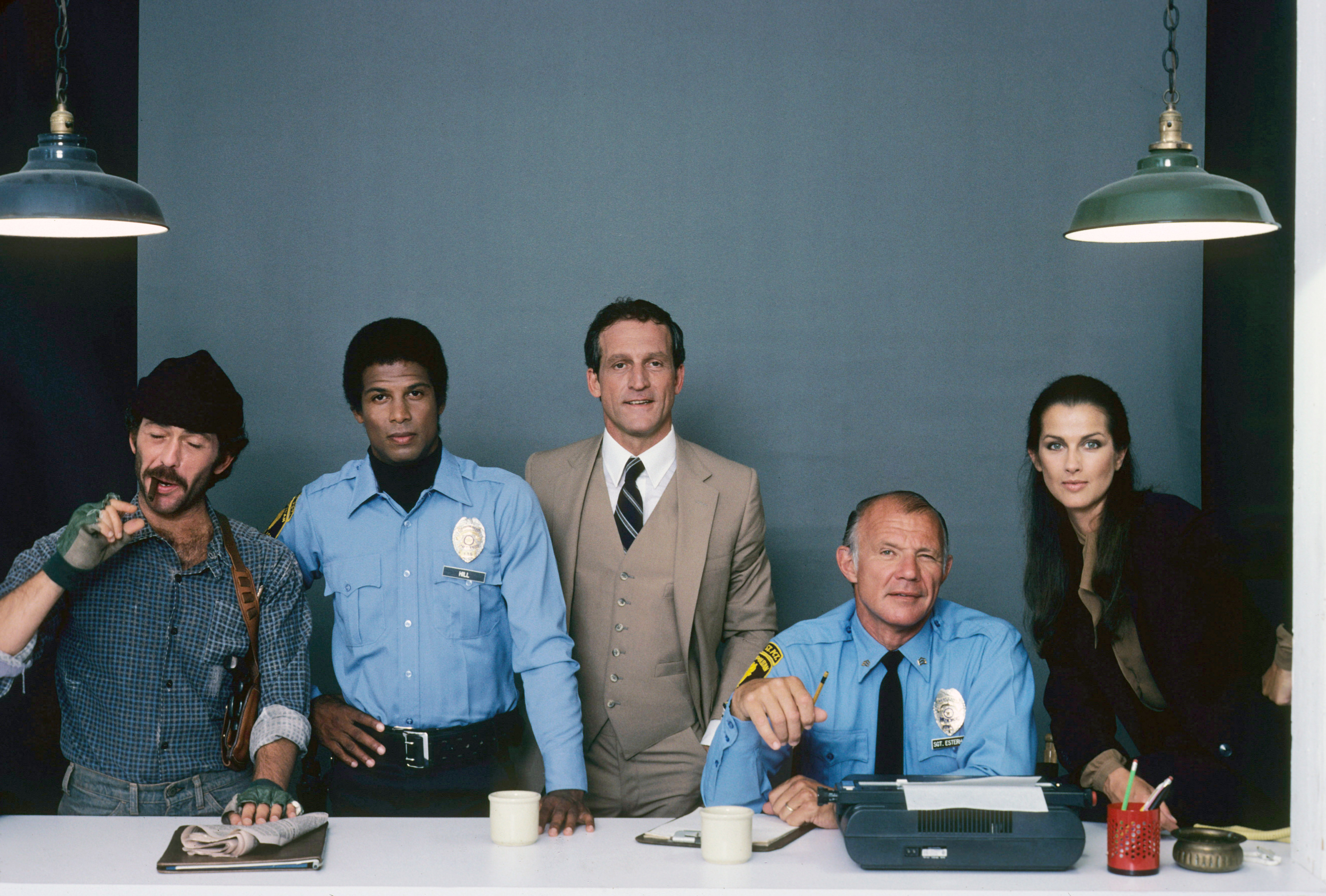 HILL STREET BLUES, from left: Bruce Weitz, Michael Warren, Daniel J. Travanti, Michael Conrad, Veronica Hamel, (Season 1), 1981-87. photo: Robert Phillips/Everett Collection