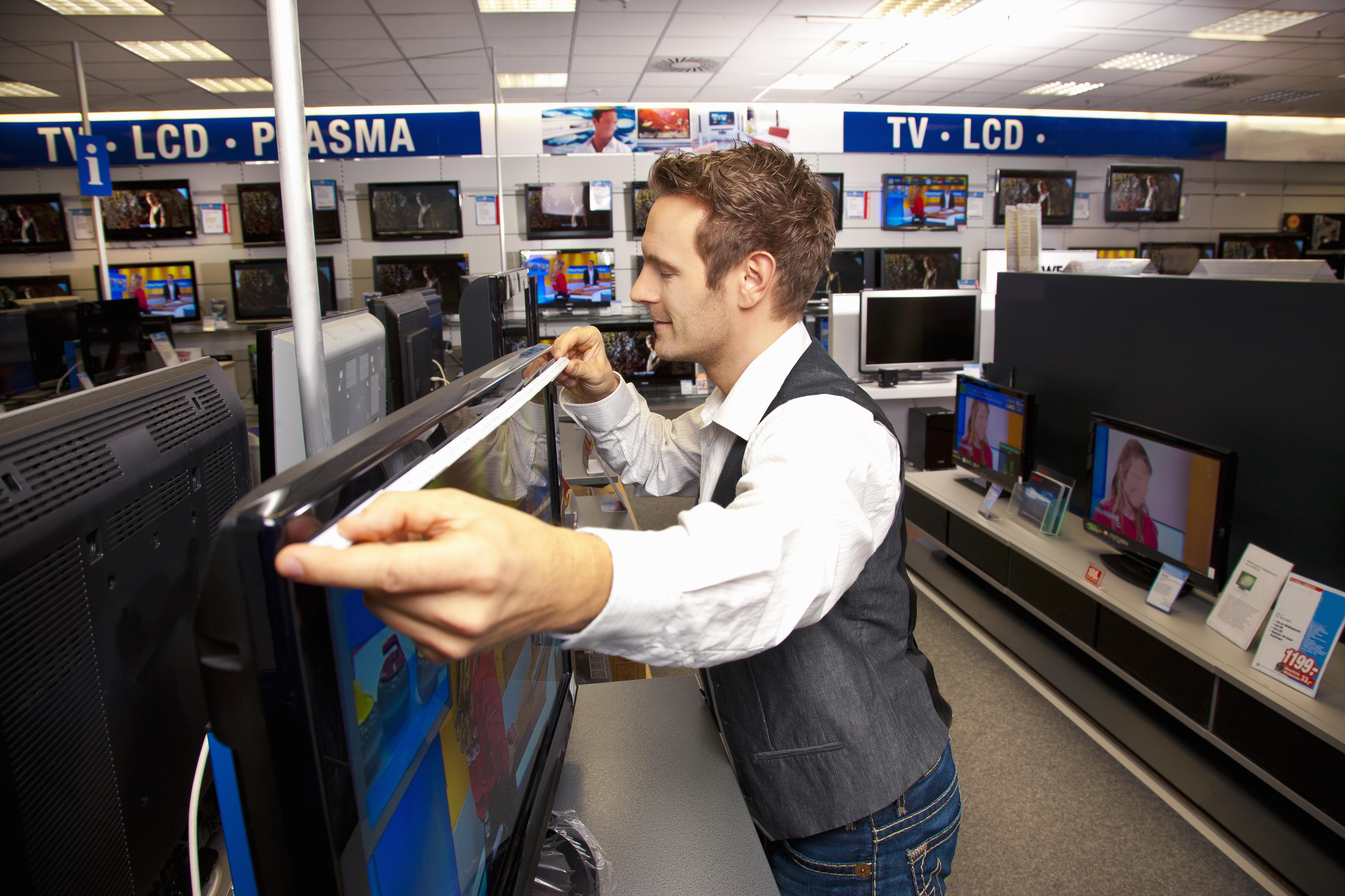 Best Tv Deals Super Bowl Tv Sales At Best Buy Walmart Money