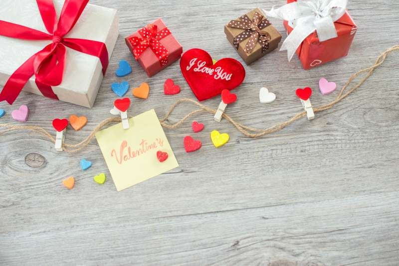 Best Valentines Day Gift Ideas Gifts For Him Her And Kids Money