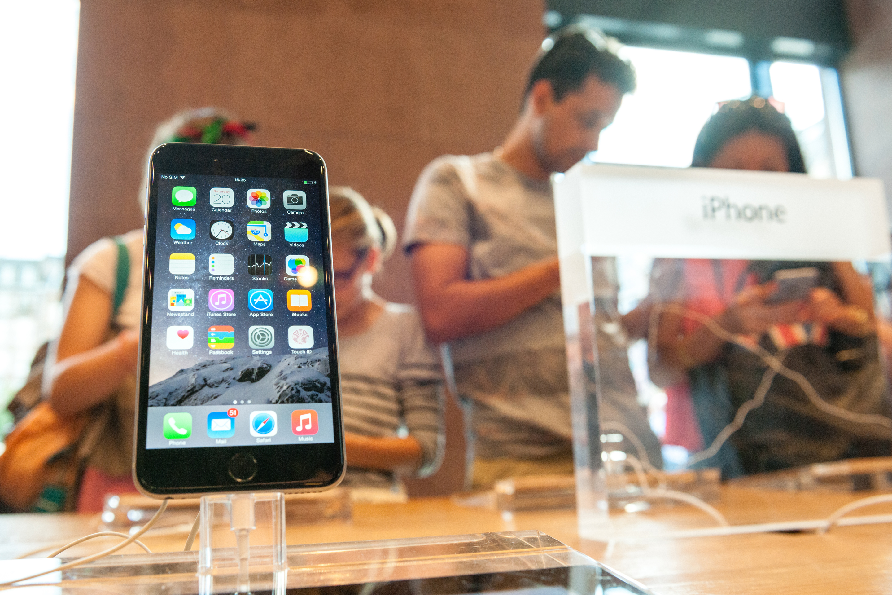 You Can Save a Ton of Money Buying a Refurbished iPhone. But Finding the Best Deal Can Be Tricky