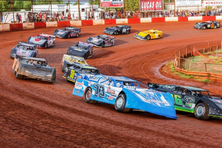 Picture of a car race at the dixie speedway in Woodstock Georgia